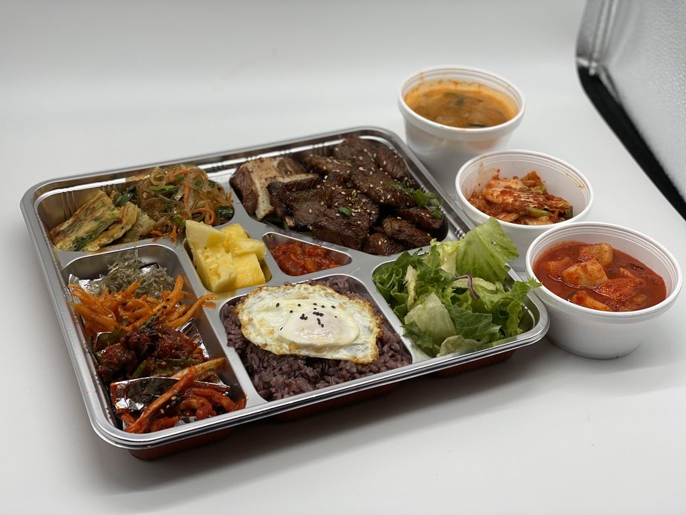 Marinated Grilled Beef Lunch Box